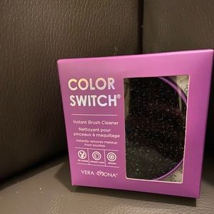 NWT Color Switch Instant Brush Cleaner
